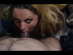 Blonde in POV antaa aistillinen blowjob ja pillua vitun