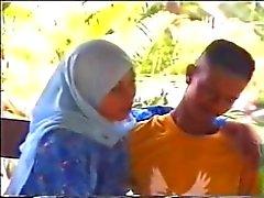 Малай - tudung ношение хиджаба баю kurung Ь кът Отель Pondok