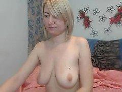Super sexy Blondine spielt mit ihren Brüsten flv