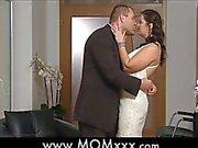 dai grossi seni la moglie in un matrimonio
