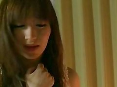 Asian babe pleases herself