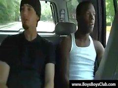 Grosse muskulöse schwarzen Homosexuell Jungen demütigen weiß Burschen Kern 01.