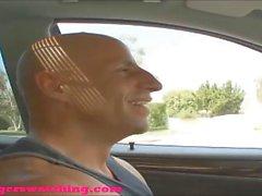 Swingers black dude permette al bianco di scopare sua moglie