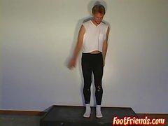 Балетный танец и ножки с горячим гей-чуваком Филиппом