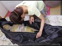 La muñeca asiática de Titted grande disfruta de un sexo caliente