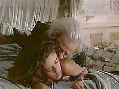 A anne Knecht nuda sdraiata sul letto mentre che un soldato entra in un inizio