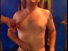Rossi si - maschile si prende cura del sua grande schiavi uccello