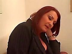 Oma Anastasia Sands geniet Jonge Lexi 's Pussy