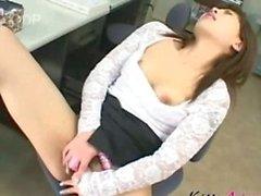 Japon piliç ofis kendini oynamak