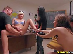 college girtls squirt for money