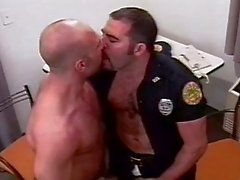 La policía de Gay Love To Fuck In Jail