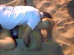 Duitse moeder dogging op het Strand