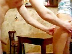 Young Couple Russian Cucine scopata adolescenza sborrate teenager dilettanti inghiottire PS una