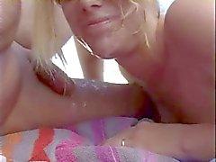 Handjob op het strand
