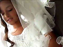 Amateur babe gets pounded by a stranger on her wedding day