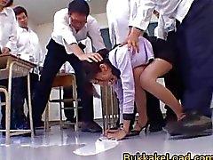Koleji öğretmen Rei Shina seviyor