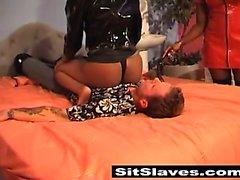 Çift Sert porno abanoz bir UK kız çocuğu white Bay köle her yerinden denetimini alır