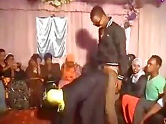 Hija Luder Tanzen und Schleifen