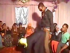 La danse de Hijabi Salope et de meulage