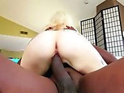 Flashy blonde Indigo sucks and fucks
