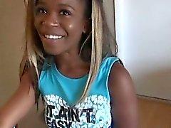 Noirs Ex Girlfriend montrant son cul et sucer la bite