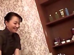 CFNM sottotitolo Japanese masseuse il massaggio suocera sapore di