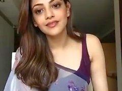 Kajal Aggarwal Affichage et Aisselles Boobs à manches Saree