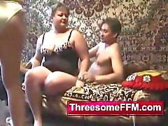 Junger Kerl Ficken Zwei russische Damen