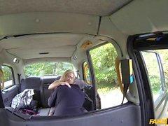 Amateur blondie slammed by fake driver