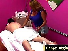 Blonde babe Asia consente il massaggio