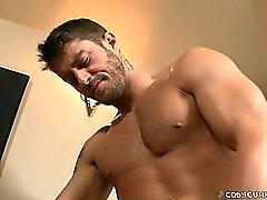 Du wirst Cody Ruck Brandons unglaublich harten Schwanz in zu sehen!