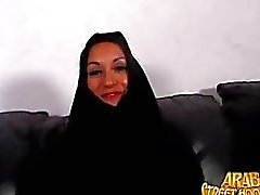 Arábica monir la Persia del milf es tímido para aplastar a al tomar una Porn