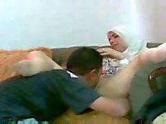 Arabische meisje fucked in het Bureau