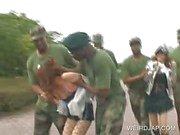 Asya seks kölesi askeri grup seks becerdin alır