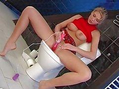 Jugendlich bumsen Dildo Toilette