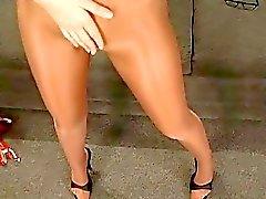 Langen Beine sowie sexy Strumpfhosen