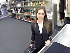 Fucking ein Latina Stewardess am Pfandhaus