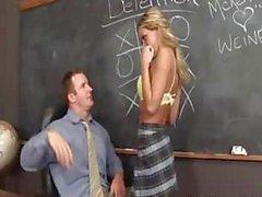 Фотографий грудастая блондинка подросток получить ее киски трахал учебного администратором