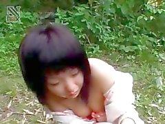 Aasian teini seksiorja saa karvainen häpy naulattu upskirt