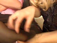 Nadia in Nylon kitzelte