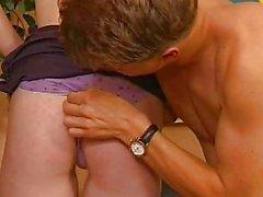 Redhead Amateur Teen saugt und fickt mit Gesichts
