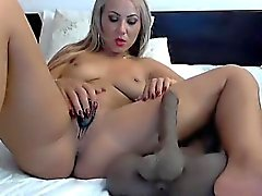 Beautiful camera design shows her fat masturbate and shapes