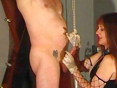 Esclave de maîtresse de des tourmentant