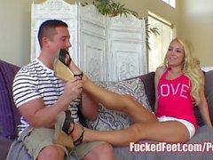 Cutie Aaliyah Любовь Получите ноги трахали в Hot Foot Fetish видео!