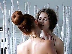 Очаровательные лесбиянки меды возникли неотесанным лесбийский секс