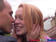 Adolescente holandês coberto