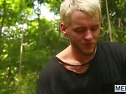 Luca Adams di Colton Grigi fronteggiare sopravvivere al giungla