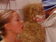 L'achat d'une Fille mignons d'un élevage de le clone l'allemand