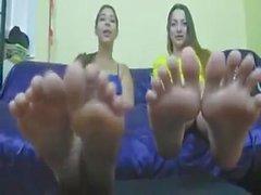 coppia di grossi piedi bionda del una di yankee AMERICANA bella ragazza duo