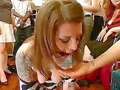 Peituda detento usado como escravatura sexual
